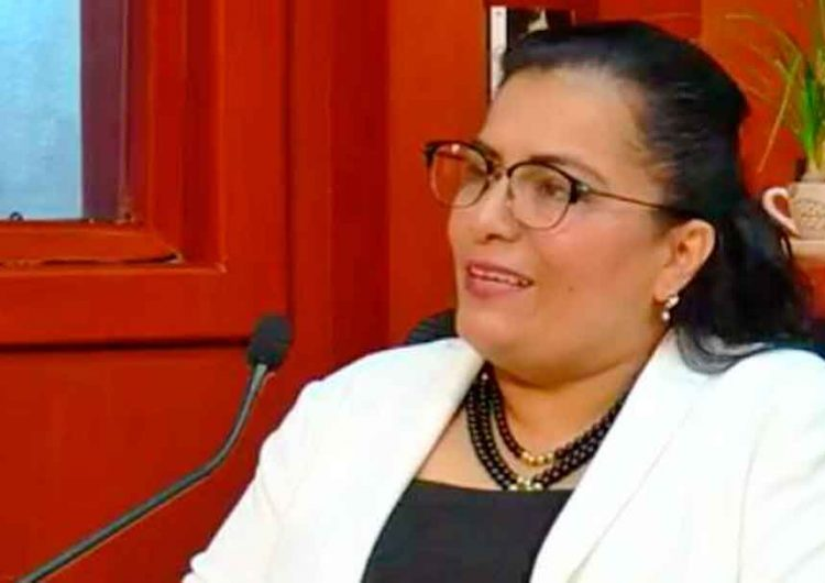 Susana Escamilla es despedida por anomalías, pero la premian con supervisión