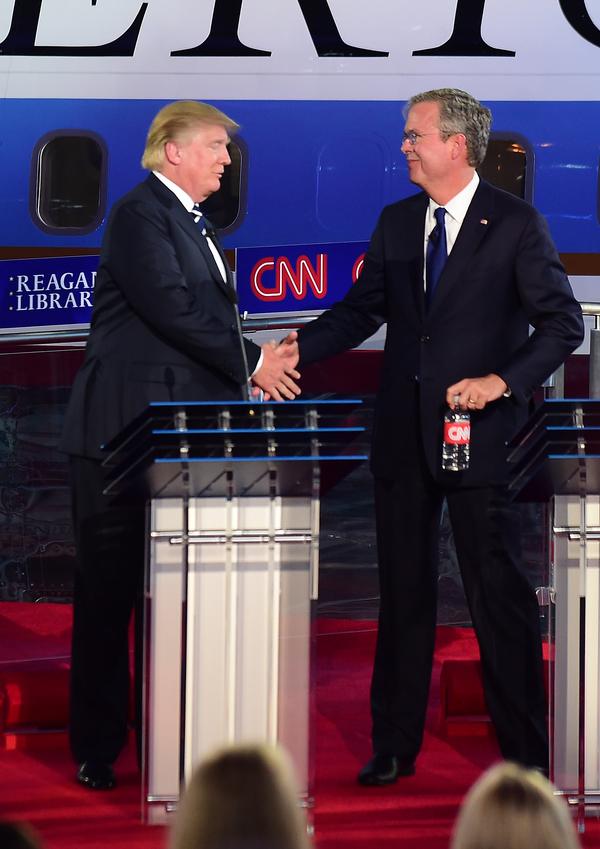 Deportar a 11 millones de indocumentados es imposible: Bush a Trump
