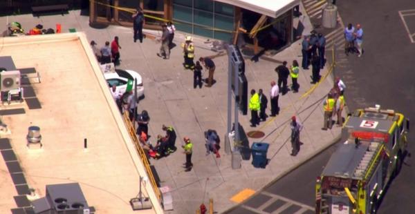 Un taxista de Boston pierde el control y deja 10 heridos