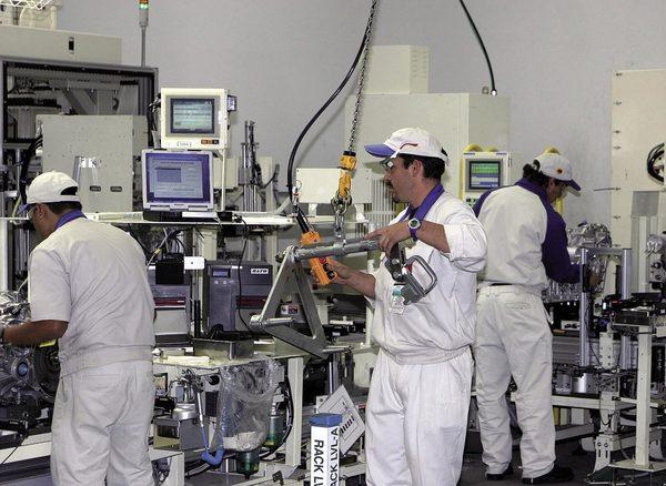 Se pierden en 30 días mil empleos en manufactura de exportación