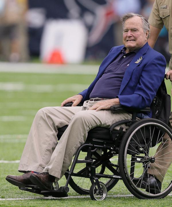 El expresidente estadounidense George H. W. Bush se encuentra estable