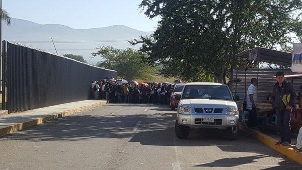 Amagaron trabajadores de salud de Oaxaca con impedir comparecencias