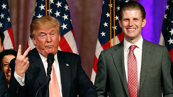 Trump evadió impuestos al vender dos condominios a su hijo