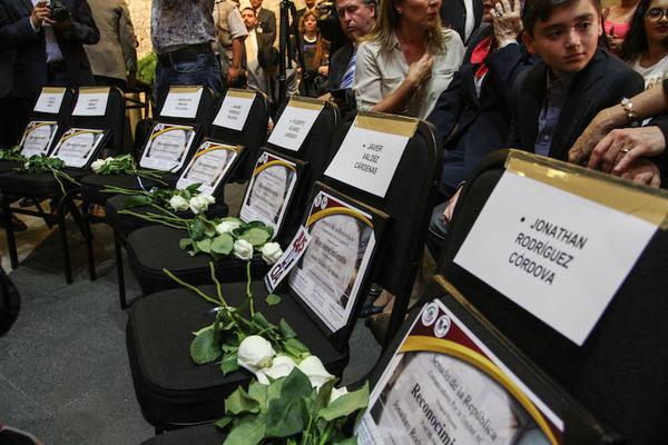 Ofrecen recompensa por asesinos de periodistas