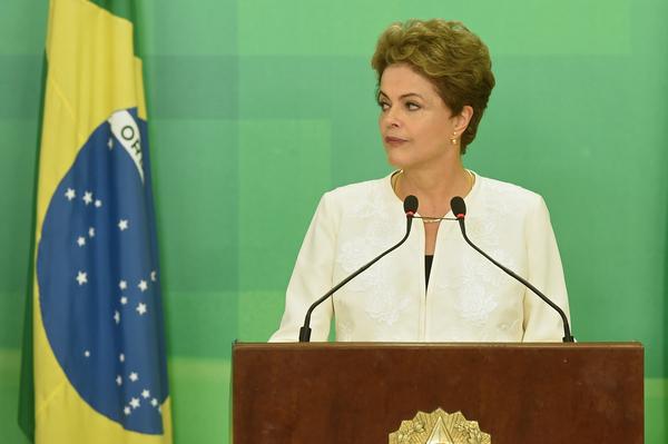 Abre Congreso proceso de juicio político contra Rousseff por corrupción