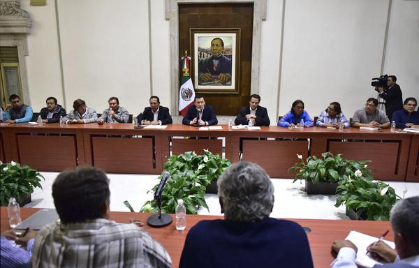 """Acuerdan Segob y CNTE diálogo """"político, educativo y social"""""""
