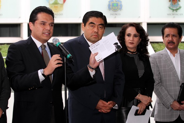 """Buscan condonar 400 mdp a televisoras con prórroga a """"apagón analógico"""": PRD"""