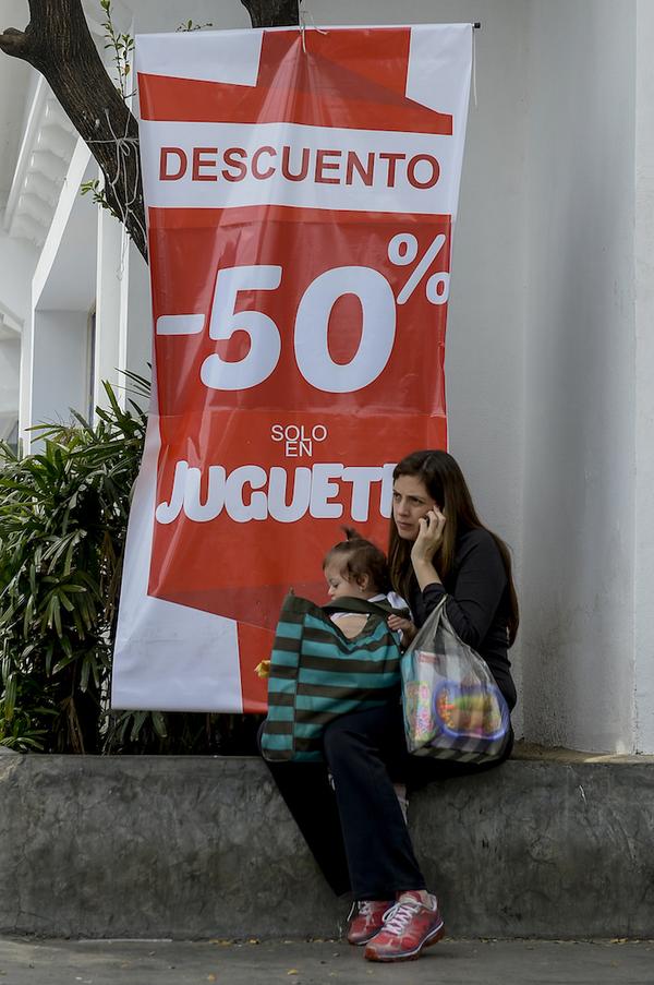 El regalo imposible: la Navidad en Venezuela en plena crisis