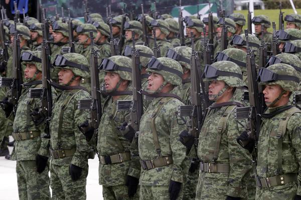 Se incrementa gasto militar y se disparan homicidios
