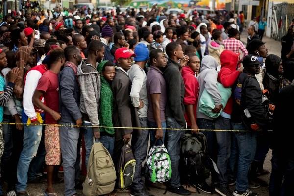 Crisis en Tijuana por miles de haitianos buscando asilo en EE.UU