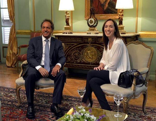 Asume primera gobernadora de Buenos Aires previo a juramento de Macri