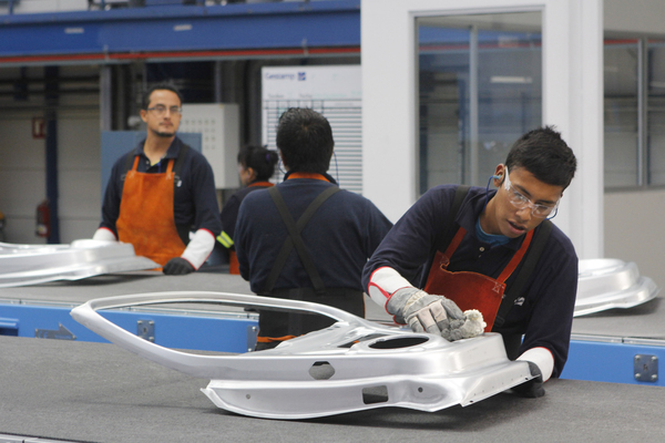 Luz industrial bajará 13% en México: FMI