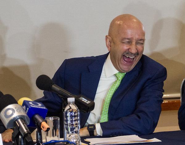 Salinas reaparece, defiende al TLCAN y elogia a negociadores mexicanos