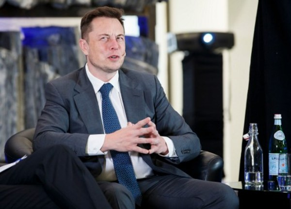 Tesla encontró la solución al problema que mató a una persona en Florida