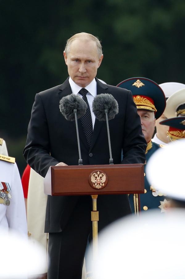 Putin ordena reducción de 755 diplomáticos estadounidenses