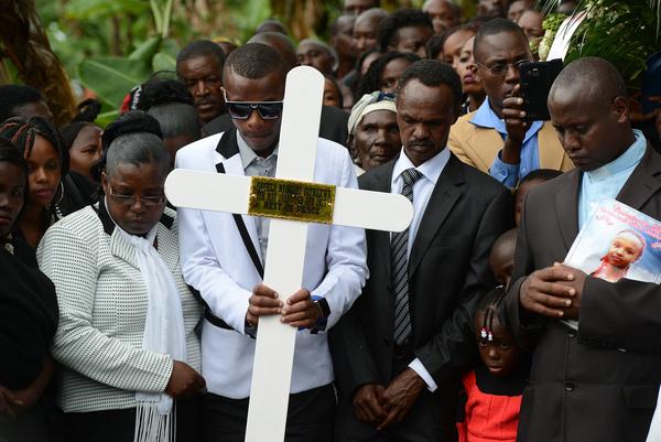 Estampida por temor a nuevo ataque en universidad de Kenia