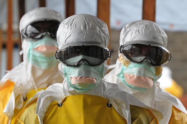 Sobreviviente de ébola muere tras dar a luz