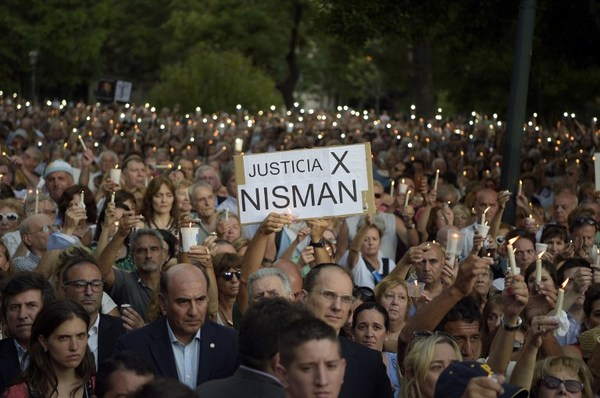 Reavivan hipótesis de homicidio de Nisman en Argentina