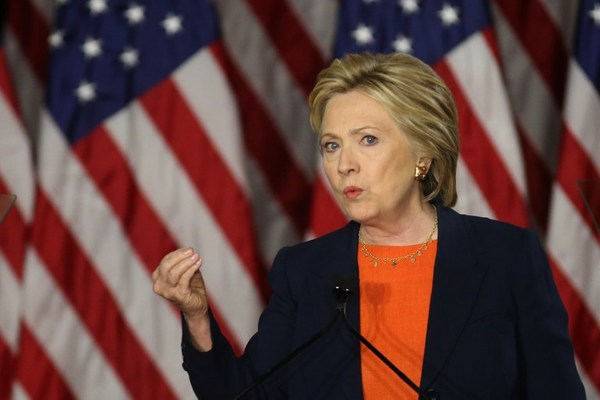 Hillary Clinton nombra a su equipo de transición
