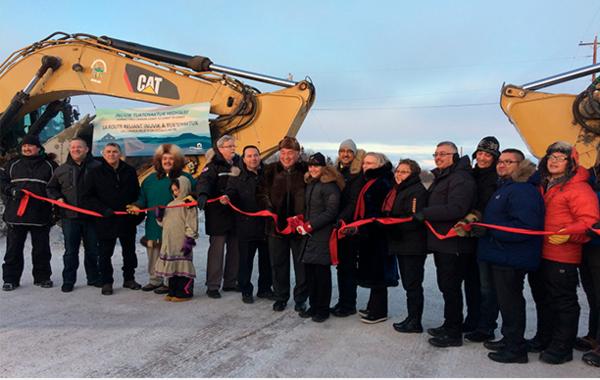 Inauguran la primera autopista al Ártico en Canadá