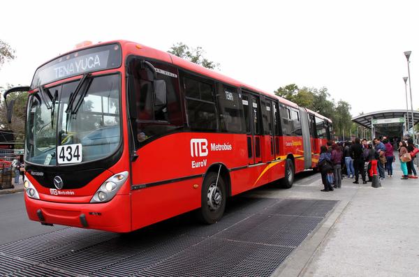 Anuncia GDF creación de Línea 7 del Metrobús en Reforma