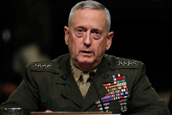 """EE.UU. """"no está en Irak para acaparar"""" el petróleo: Mattis"""