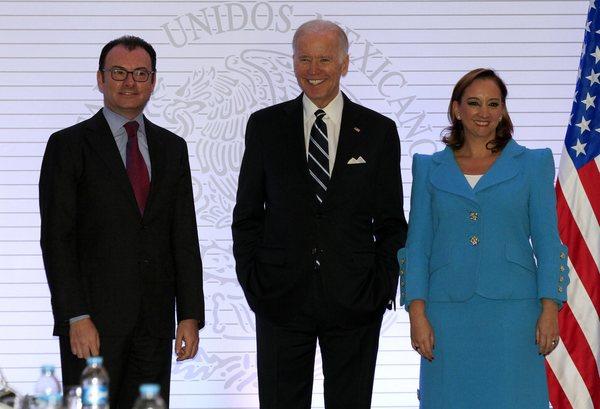 "Critica Biden ""peligrosa"" retórica de Trump contra mexicanos"