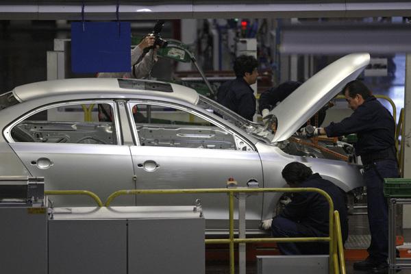 VW mantendrá empleos: STyPS