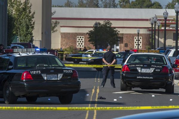 Suman cinco muertos por tiroteo en escuela de California