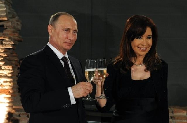 Putin y Kirchner celebran el lanzamiento de un canal pro Kremlin en Argentina