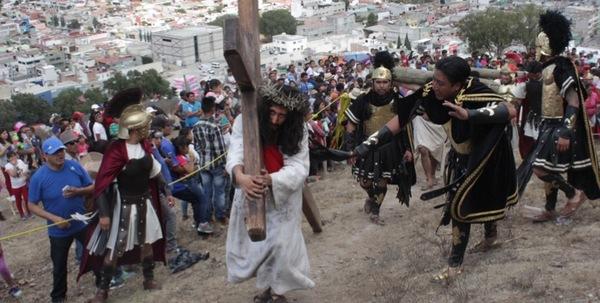 En Cubitos la tradición del Viacrucis cumplió 45 años