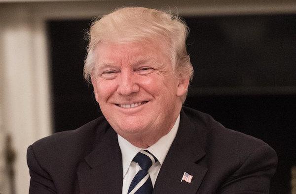 """Trump vuelve a la carga contra Comey, lo acusa de ser un """"filtrador"""""""