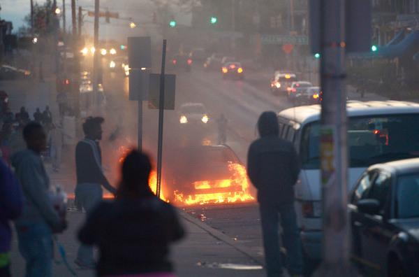 Guardia Nacional interviene Baltimore tras violentos disturbios