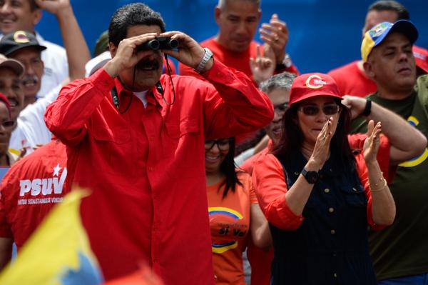 Maduro arremete contra Peña, Santos y Trump