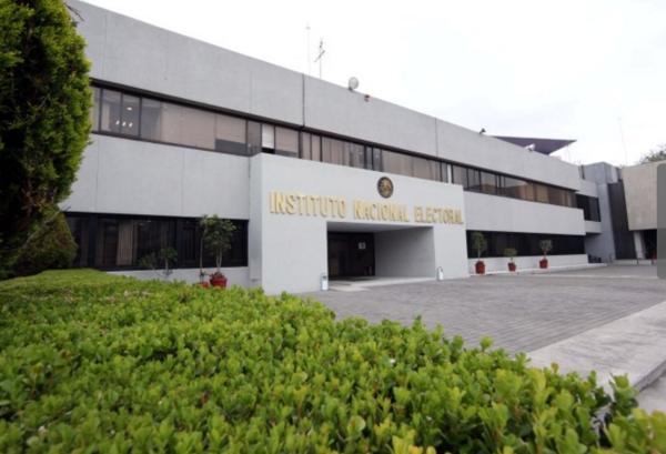 INE gastará 935.4 mdp en renta de autos