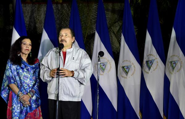 Nicaragua vota por Ortega, mientras la oposición alega baja participación
