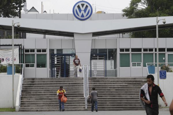 Inician este domingo asambleas en VW para aumento salarial