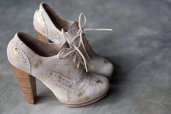 ¿Por qué los zapatos de mujer cuestan más?