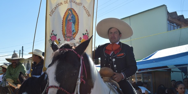 Muestra su fe a la Virgen de Guadalupe