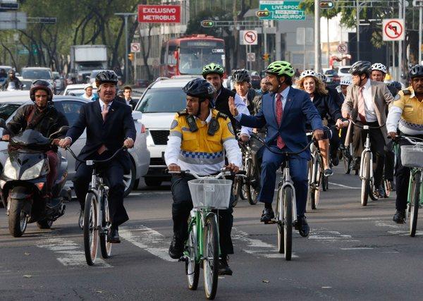 México, rezagado en políticas públicas en el #DíaMundialsinAuto