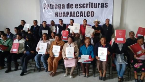 Reparte alcalde de Tulancingo escrituras