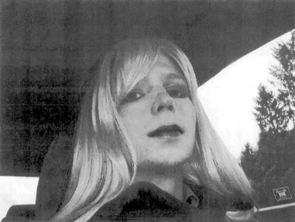 Liberan a Chelsea Manning tras siete años de prisión