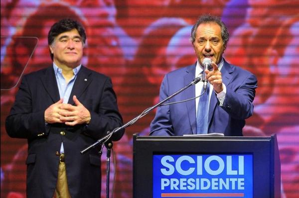 Scioli prevee segunda vuelta en Argentina