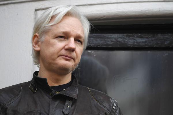 Assange prevé ganar caso y abandonar la embajada en 6 meses