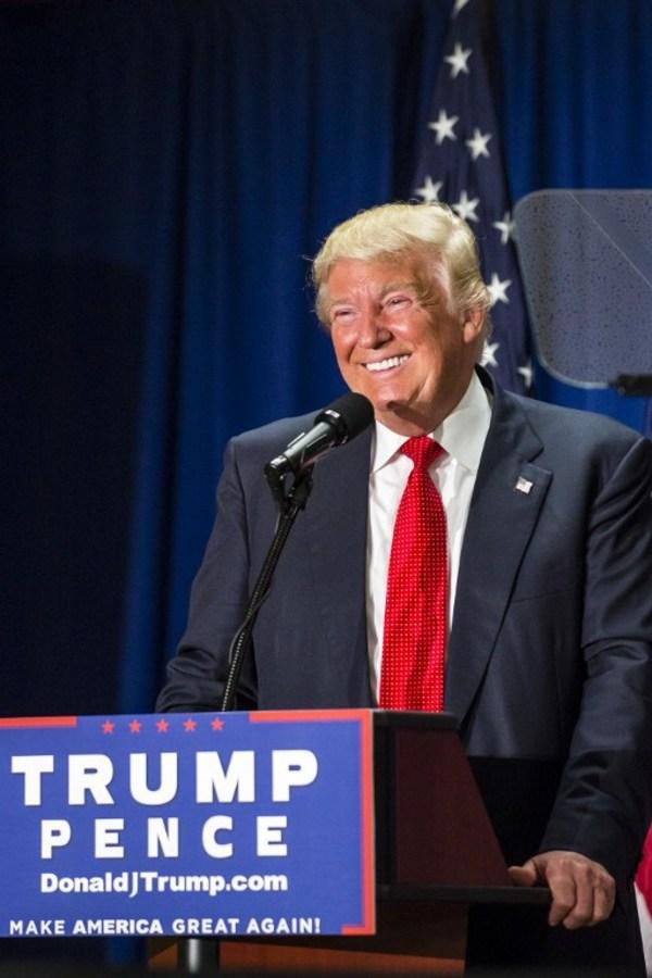 Trump se embolsa 5 millones de dólares tras visita a Peña Nieto