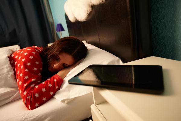 ¿Ruido rosa o ruido blanco para una noche de sueño reparador?