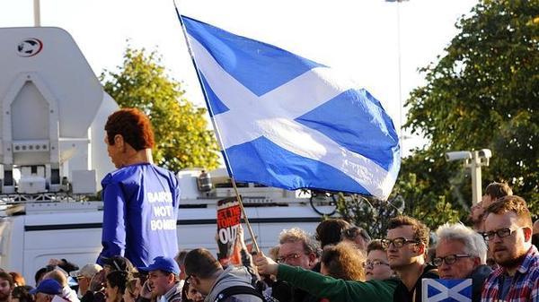 Escocia es más incluyente, pero con problemas de discriminación