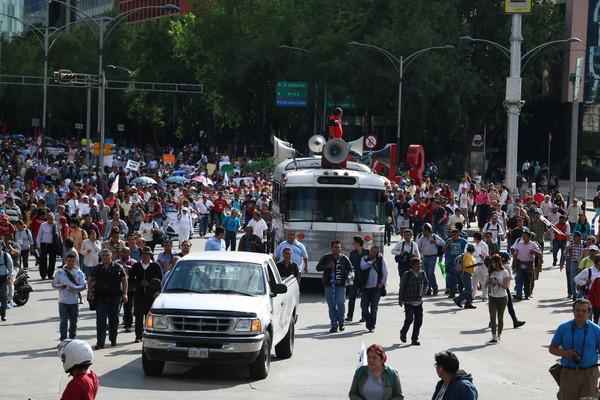 Cuatro contingentes de maestros se movilizan en la Ciudad de México