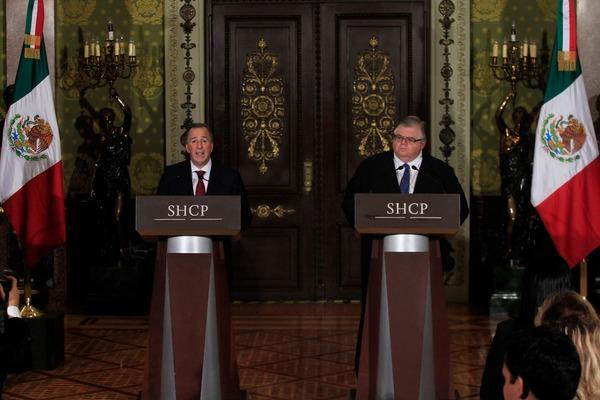 El gobierno de México usará remanente del banco central para reducir deuda
