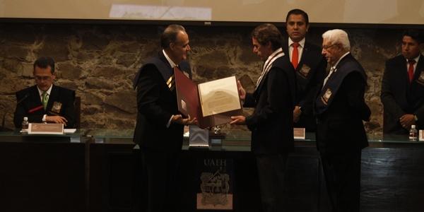 Inviste UAEH a Aznar; afirman que la enaltece